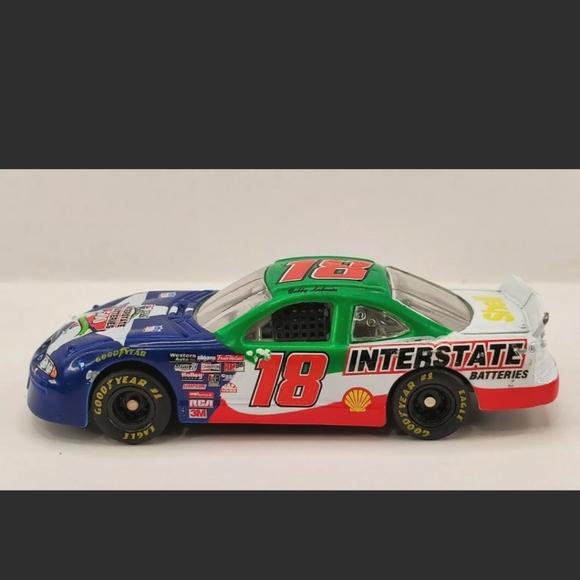 Revell Racing Bobby Labonte 18 Interstate Batterie
